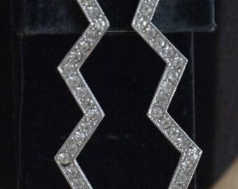 ON SALE Pretty Vintage Zig Zag Rhinestone Pierced Earrings, Post Earrings, Silver tone (AD10)