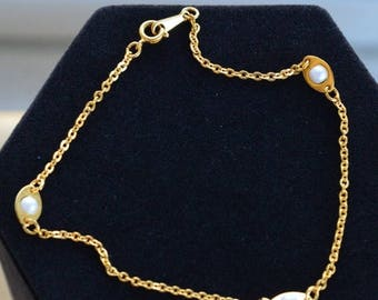 """ON SALE Delicate Vintage Faux Pearl, Gold tone Anklet, 9-3/4"""" (W16)"""