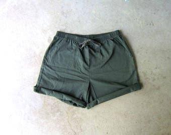 Drawstring Board Shorts 90s Elastic Waist Thin Cotton Shorts Minimal Green Shorts MOM Shorts with Pockets Vintage Beach Shorts Women Medium