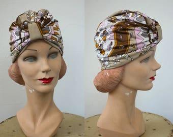 vintage 1970s hat / 70s turban hat / 70s novelty print hat / 70s deco revival hat / 70s geometric print turban / 70s ikat print turban