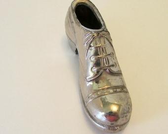 Vintage Metal Shoe Pin Cushion Men's Shoe Wing tip shoe Collectible