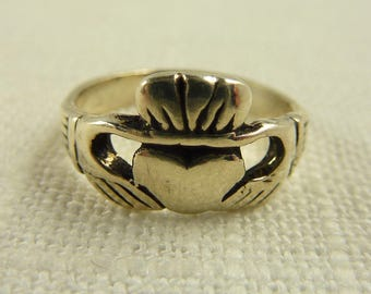 Size 5.75 Vintage Sterling Claddagh Ring