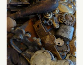 ONSALE 24pc Salvaged Antique and Vintage Chippy Hardware STEAMPUNK  Lot  Unit  N021