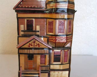 Vintage Miniature Wheat Straw Victorian House Trinket Secret Lidded Hidden Compartment Trinket Box