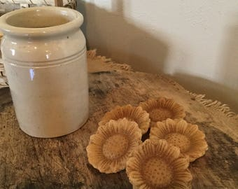 Primitive-Ivory Beeswax-Sunflowers -Bowl Fillers #207