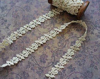 Rose Lace Trim