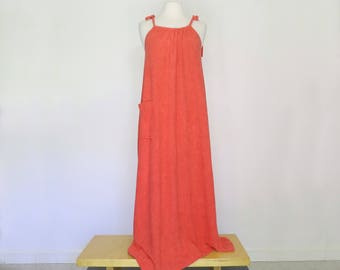 POOLSIDE // 70s terrycloth strawberry-colored coverup or lounge dress