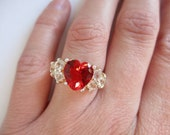 Ruby heart ring: Classic hallmarked sterling silver costume statement cubic zirconia and costume heart shaped cluster estate ring, size 6.5