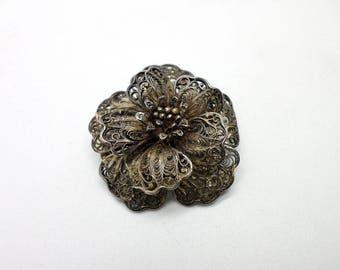 Beautiful Old Vintage Silver Metal Filigree Flower Pin Brooch