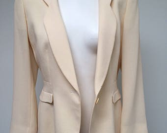 Oversized cream colored vintage 80s blazer