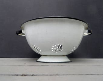 White Enamelware Colander Strainer with Black Trim, has handles