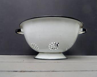 White Colander Enamelware Strainer with Black Trim, has handles Vintage