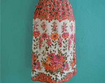 70's painted floral skirt // knee length floral printed skirt