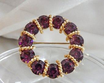 SALE Vintage Purple Circle Brooch. Gold Tone. Amethyst Purple Rhinestones.