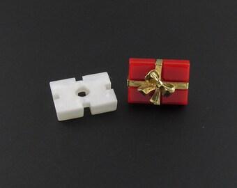 Avon Present Tac Pin, Avon Present Pin, Christmas Pin, Present Lapel Pin, Small Christmas Brooch, Gift Lapel Pin