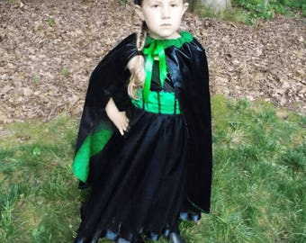 Wicked Witch Cape: black & green cape, costume, halloween costume, birthday, vacation, adjustable, wicked witch of west, wizard of oz