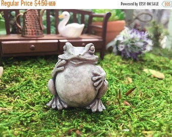 SALE Miniature Frog Toad Garden Statue, Mini Frog Figurine, Dollhouse Miniature, 1:12 Scale, Fairy Garden and Miniature Garden Decor, Mini S