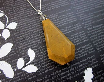 Yellow Brown Pendant Necklace -- Mustard Necklace -- Yellow Jasper Necklace -- Triangle Stone Necklace -- Yellow Stone Necklace -- Necklace