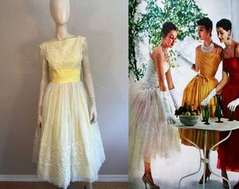 In The Salons of Paris  - Vintage 1950s White Sheer Over Yellow Rayon Evening Formal Gown w/Bright Yellow Detail - 2/4
