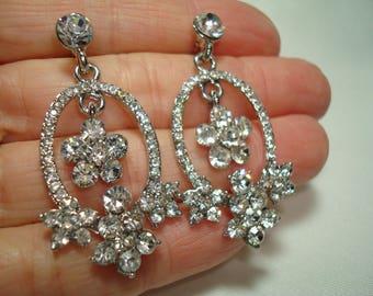 Vintage Silver Tone Sparkly Chandiler Rhinestone Earrings.