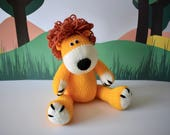 Samson the Lion toy knitting pattern