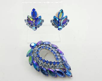 Sarah Coventry Blue Lagoon Brooch and Clip earrings 1964 large beautiful