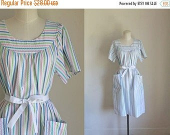 AWAY SALE 20% off vintage 1970s dress - SALT Water Taffies candy striped cotton dress / fits most