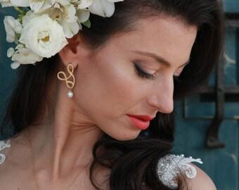 Woman Dangle Earrings, Pearl Dangle Earrings, Unique Earrings, Gold Pearl Jewelry, Elegant Earrings, Boho Drop Earrings, Delicate Earrings,