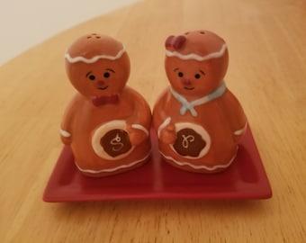 Vintage Gingerbread Men Salt and Pepper Shakers
