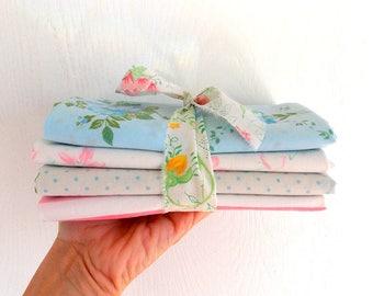 Drap ancien faisceaux / Fat quartiers / Aqua & roses / Pack de 4 / patchwork tissus