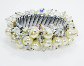 Cha Cha Expansion Bracelet - White Pearlescent Faux Pearls and Crystals Beaded - Vintage Bracelet 1950's Era - OSFA Stretch Bracelet