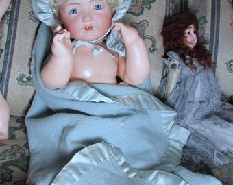 Bunting Pram blanket 1940 embroidered wool with silk good condition large doll