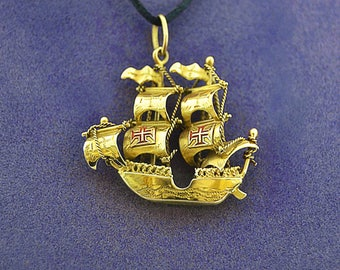RARE Vintage Intricate Detail Galleon PIRATE SHIP 585 14k Gold  Charm Pendant