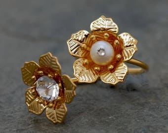SALE - Pearl Flower Ring, Gold Pearl Ring, Gold Rhinestones Ring, Blossom Ring ,Bridesmaid Gift, Wedding Ring, Bridal Jewelry, Bridesmaid