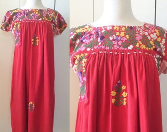 Embroidered Mexican dress, Red Oaxacan handmade from the 60s M L