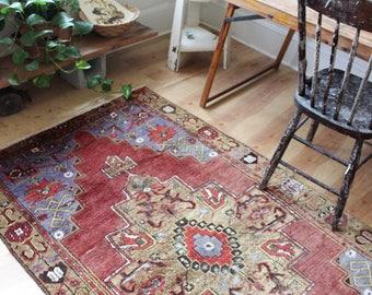 vintage Turkish rug, rustic earthy geometric rug, happy worn bohemian rug