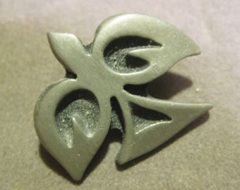 "Vintage Mid Century Modern  ""R. Tennesmed, Sweden"", Pewter Scatter or Lapel Brooch Pin, Peace Dove. 30mm x 26mm,  1 Pc."