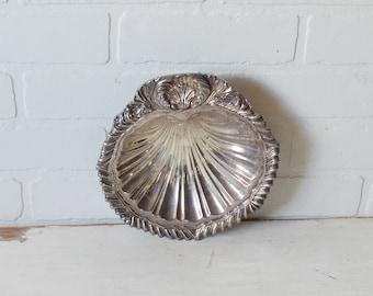 Amston Silver Shell Dish, Silver Shell Dish, Silver Clam Shell Dish, Silver Seashell Dish, Silver Shell Bowl, Coastal Decor, Silver Seashell