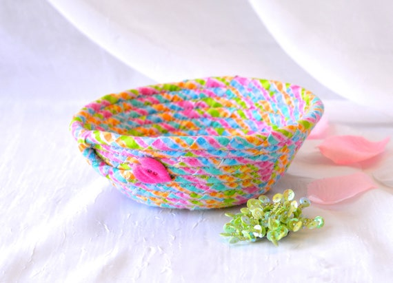 Girl Easter Basket, Cute Candy Dish, Handmade Fabric Basket, Pink Wedding Basket, Pink Ring Dish, Girl Hair Tie Holder, Pink Decor