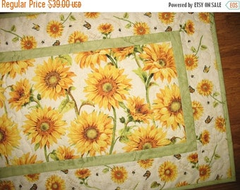 Sale Christmas in July Sunflower Table Runner, Summer, Fall, Autumn, quilted table runner, handmade, focus fabric Wilmington Prints
