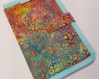 Bi-fold 1/2 Page Pattern Holder in Assorted Batik