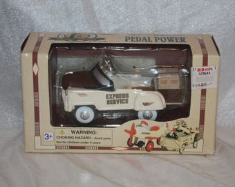 Pedal Power Express Service Pedal Car 1:10 Scale Made by Golden Wheel