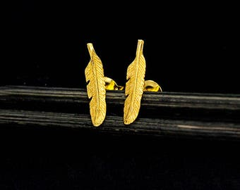 1 Pair of 925 Sterling Silver 24k Gold Vermeil Style Tiny Feather Stud Earrings 3x13.5 mm.  :vm1033