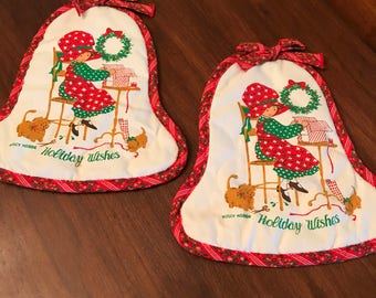Darling Vintage Holly Hobbie Christmas Holiday Oven Mitts Kitchen Linens 1970s