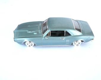 1967 Pontiac Firebird ERTL Miniature Car 1939GD Collectible Toy Cars