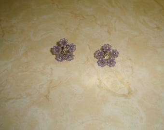 vintage clip on earrings goldtone purple lucite flower clusters