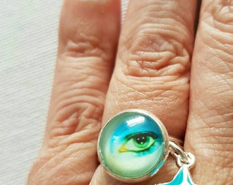 David Bowie Eye Ring with 12mm cabochon with star charm.