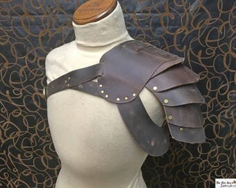 Gladiator spartacus leather shoulder armor , high quality. SCA, LARP
