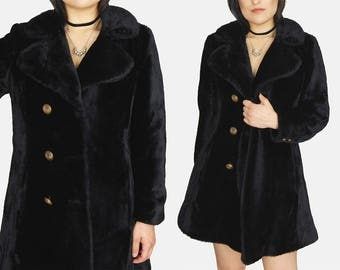 Black GLENBROOK Faux Fur Jacket Vtg 80s Gold Chained Long Comfy Soft Winter Witchy GOTH Minimalist Double Breasted Coat - Small/Medium
