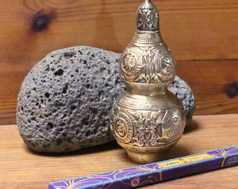 Vintage Chinese Brass Handwork Ying Yang Snuff Bottle/ Incense Burner
